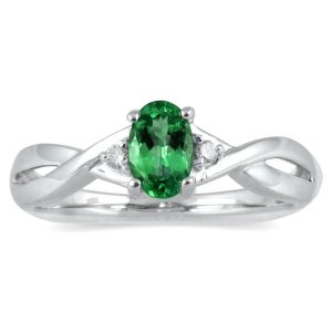 White_gold_emerald_ring_emerald.org_.in_