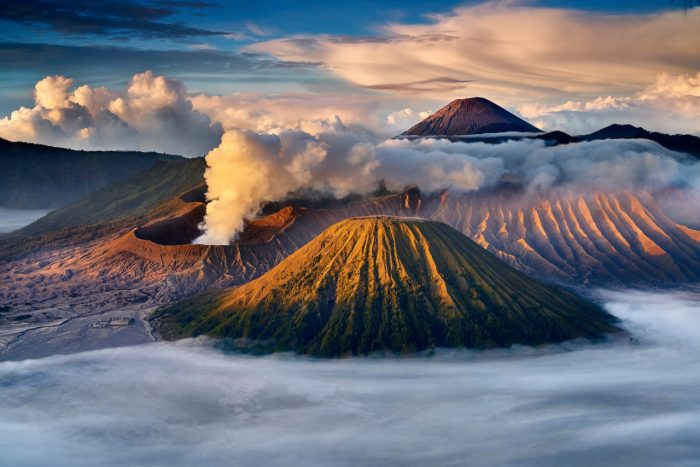 bromo-volcano-indonesia-most-beautiful-picture-1532090589gn48k-1280x854